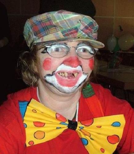 No_Teeth_Clown.jpg (40 KB)