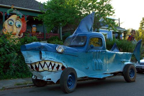shark_car_lrg.jpg (180 KB)