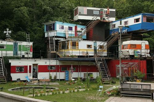redneck mansion.jpg (296 KB)