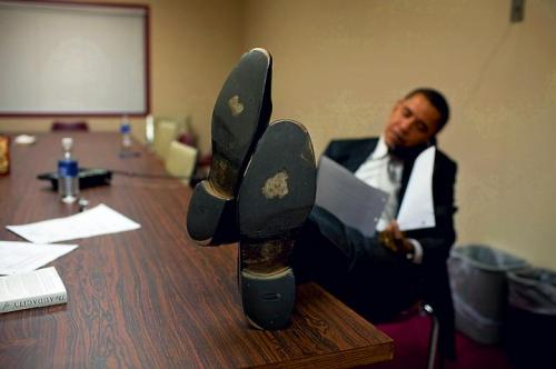 Barack Needs New Shoes.jpg (35 KB)