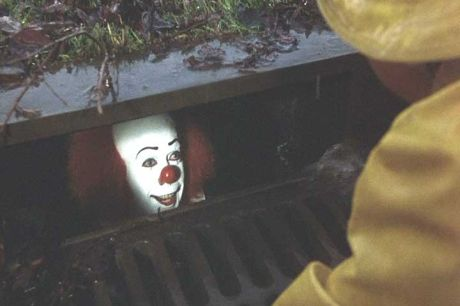 clown-sewer-untouchable.jpg (18 KB)