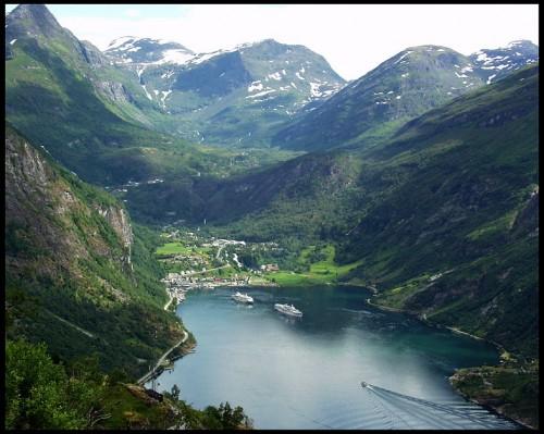 geiranger-fjord-l.jpg (145 KB)