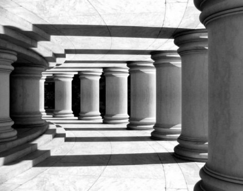 pillars.jpg (46 KB)
