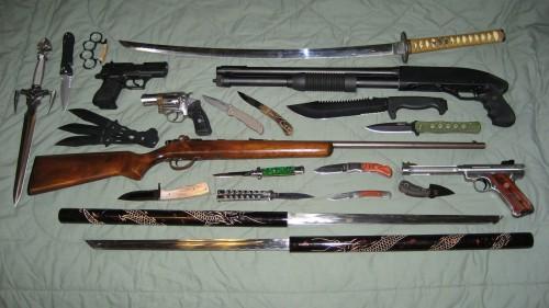 weapons.jpg (407 KB)
