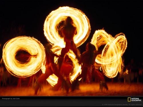 fire-dancers-cobb-680810-lw.jpg (222 KB)