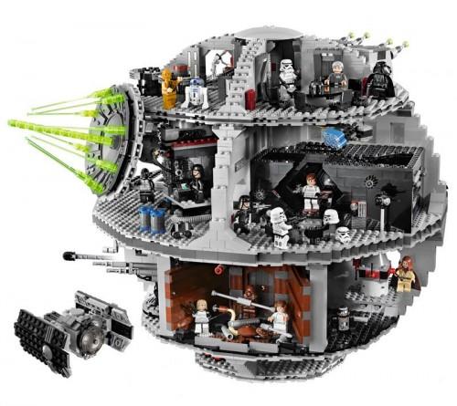 deathstardiorama 500x445 Lego Death Star wtf