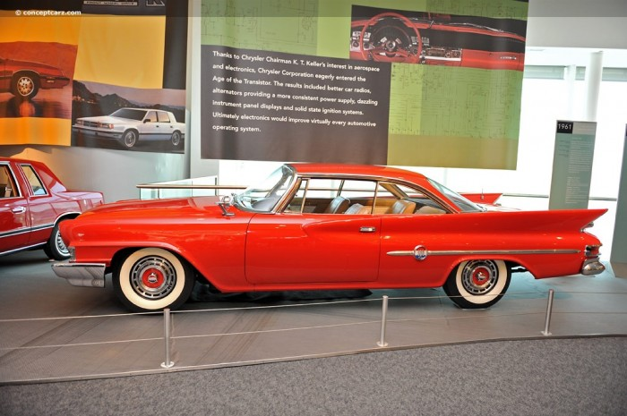 61 Chrysler 300 DV 10 CM 001 700x465 1961 Chrysler 300 G Wallpaper Cars