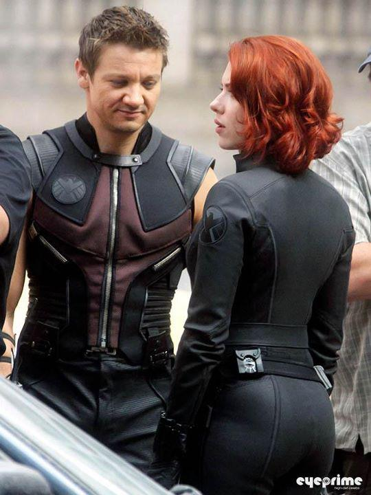 Jeremy Renner Scarlett Johansson Avengers Costumes Hawkeye & Widow the Avengers Movies Humor Comic Books