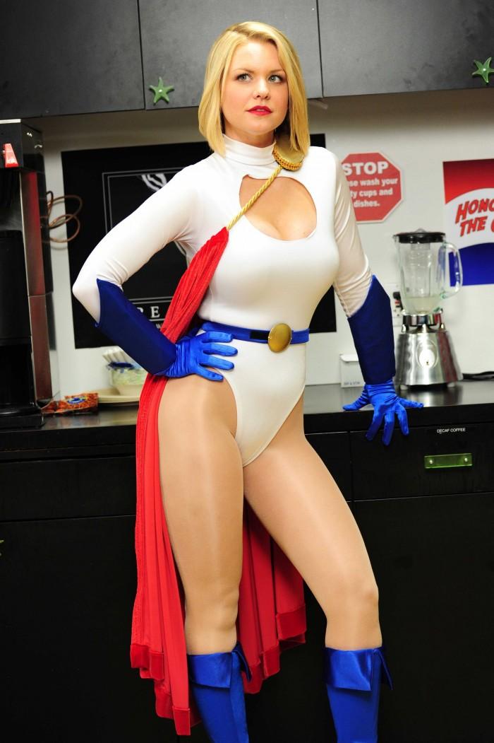 carrie-keagan-is-power-woman.jpg (618 KB)