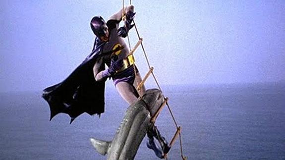 batmansharkfight.jpg (112 KB)
