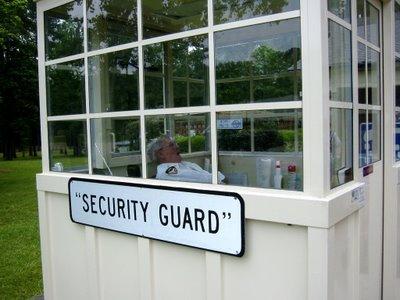 security_guard.jpg (29 KB)