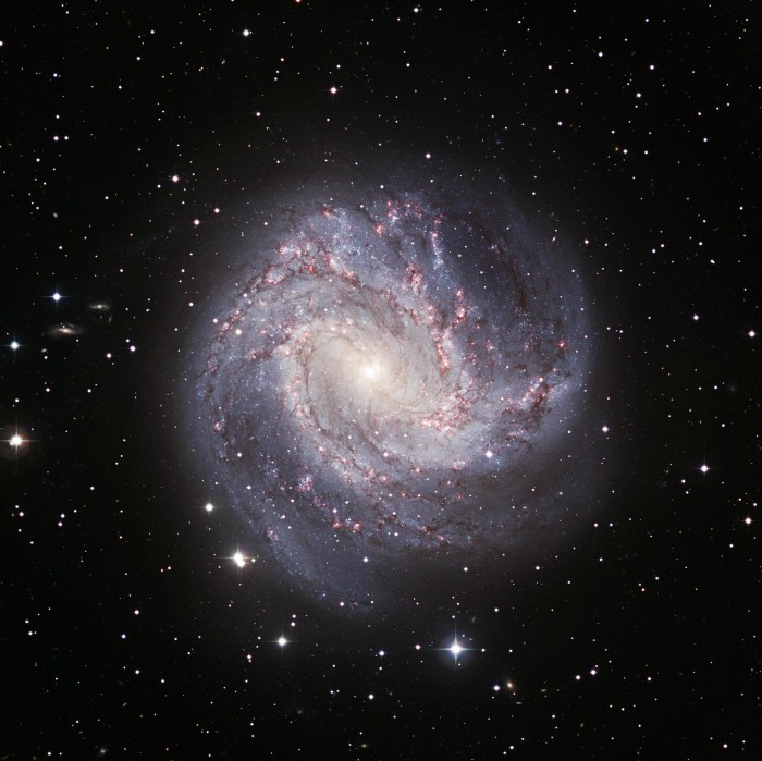 m83.jpg (664 KB)
