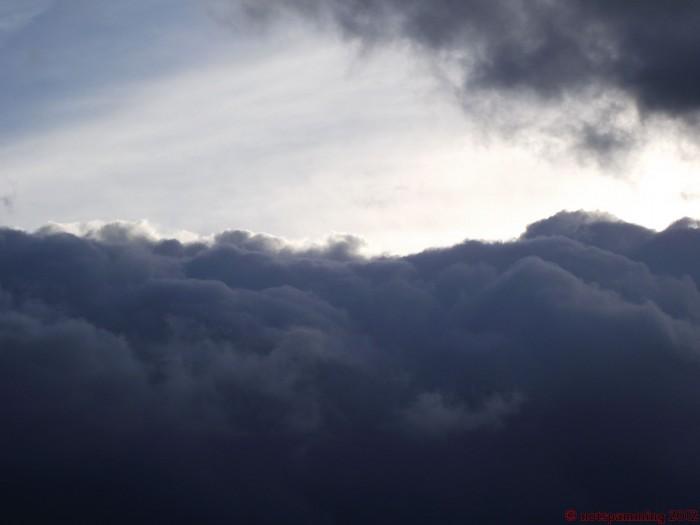 cloud1.jpg (118 KB)