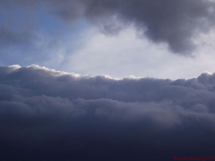 cloud2.jpg (126 KB)