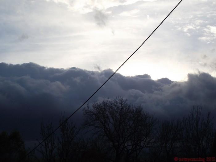 cloud3.jpg (178 KB)