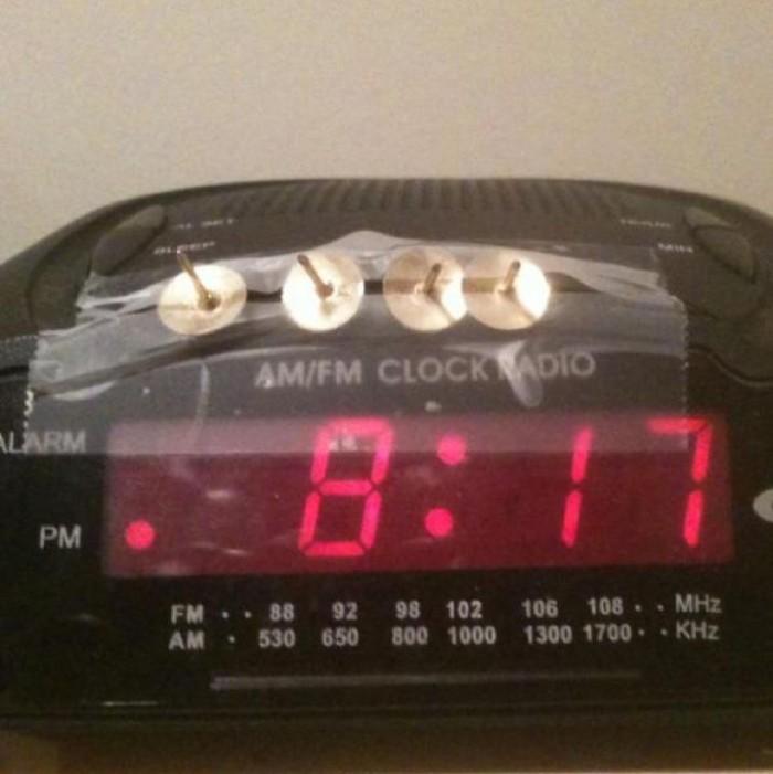 18774 700x701 Guaranteed alarm clock