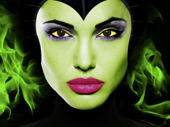 Angelina-Jolie-as-Maleficent-disney-19758228-1024-768.jpeg (71 KB)