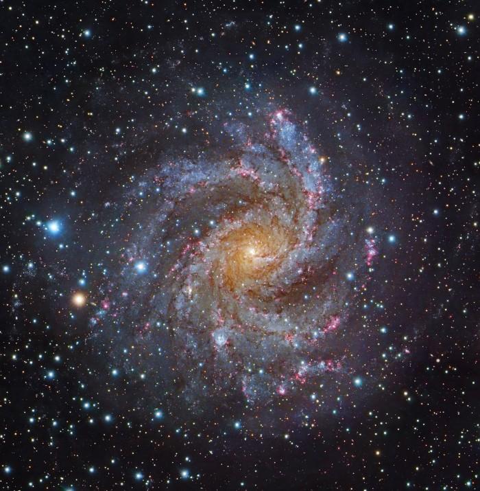 NGC6946-Subaru-GendlerL.jpg (1 MB)
