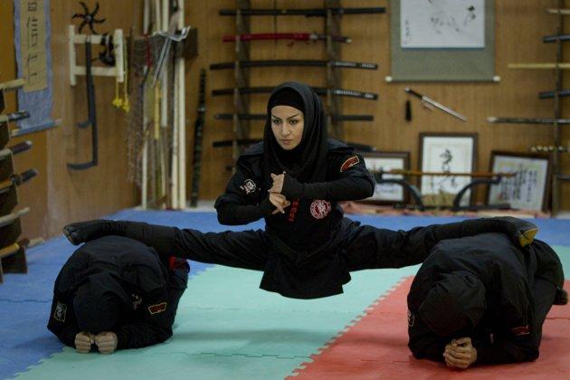 Iranian-Ninja-women.jpg (43 KB)