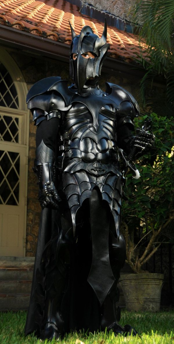 batman armor1 Batman Armor wtf Weapons Comic Books Awesome Things
