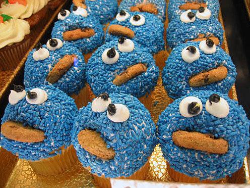 cookiemonstercupcake.jpg (95 KB)