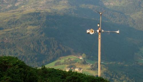 telemegaphone01.jpg (64 KB)