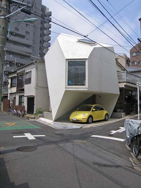 weird-japan-house.jpg (63 KB)