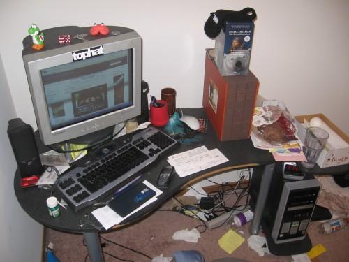 desk.JPG (919 KB)