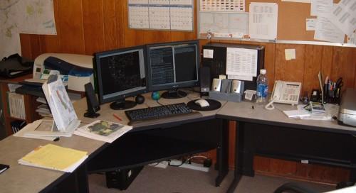 desk.jpg (163 KB)