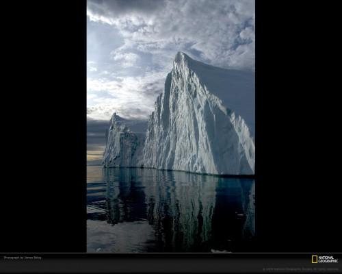 calved-iceberg-balog-1073931-xl.jpg (347 KB)