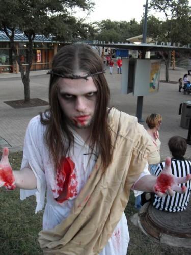 l 70007619d3a9475abb66182f63cf1c24 375x500 San Antonio Zombie Walk: Zombie Jesus Zombies