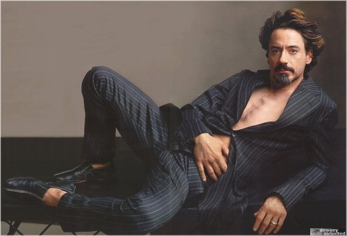 1219807056104 500x340 Robert Downey Jr. Sexy