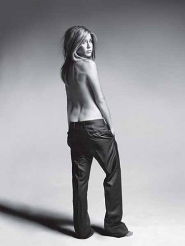 jennifer_aniston_nudegq_04.jpg (40 KB)