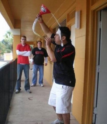 Fail Beer Bong.jpg (24 KB)