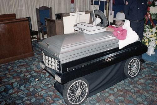 Pimp Coffin.jpg (83 KB)