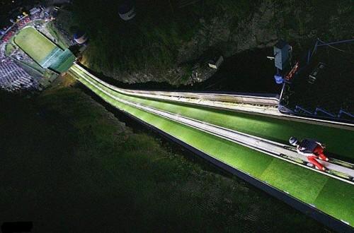 Ski Jump.jpg (61 KB)