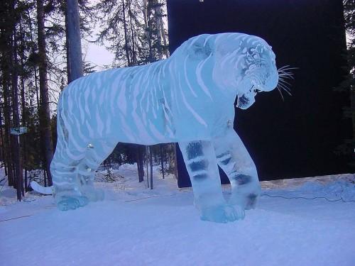 iceculp9.jpg (134 KB)