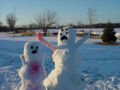 2bzuZxyp9hkk57g3XgBXSoeho1 400 Snowman Heart wtf Humor