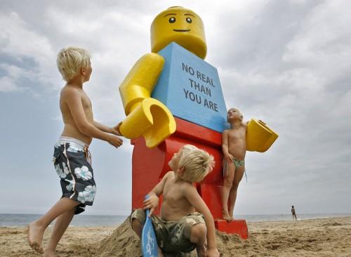 lego-man-729370.jpg (90 KB)