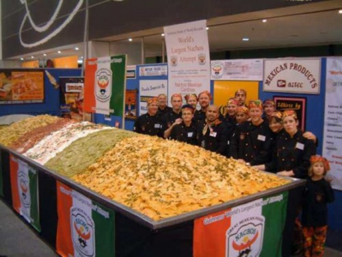 worlds largest nachos 500x375 Worlds largest wtf Humor Food