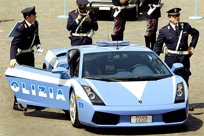 Polizia.jpg (29 KB)