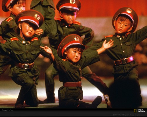 chinese-children-dancing-36-xl.jpg (340 KB)