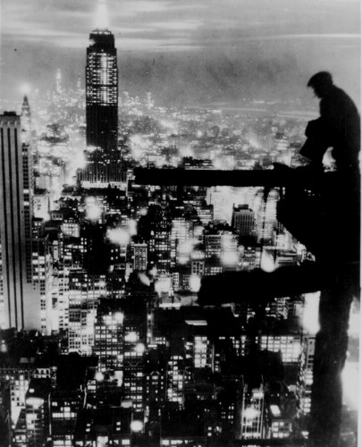 New York City at night, ca. 1935.jpg (129 KB)