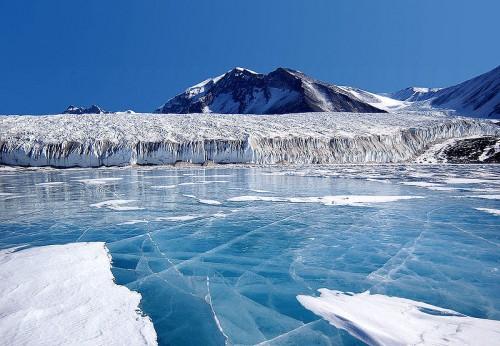 Antartica.jpg (153 KB)
