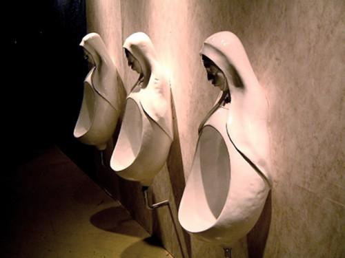 nuns-urinal.jpg (112 KB)