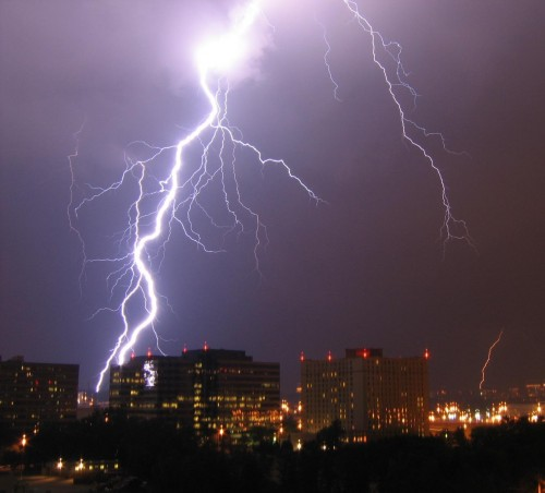Lightning_in_Arlington.jpg (117 KB)