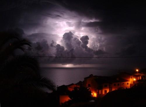 Thunder lightning Garajau Madeira 289985700 500x368 Lightning Nature Awesome Things