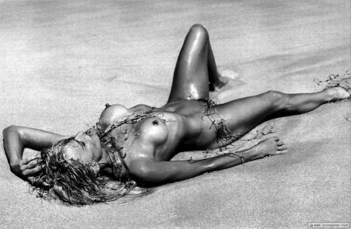 Farrah Fawcett Nude | MyConfinedSpace NSFW