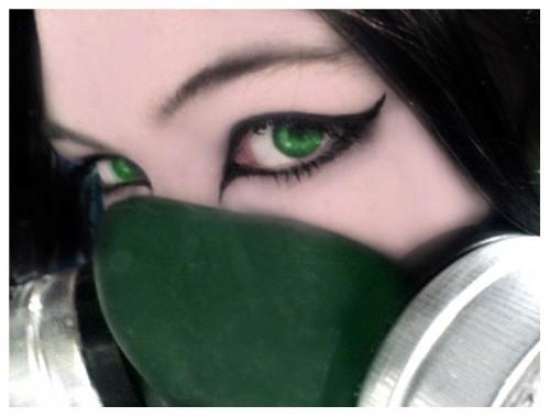 Behind_a_Gasmask_by_Eden_V1RU5.jpg (304 KB)