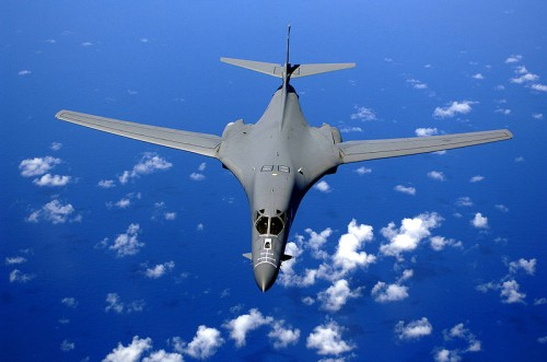 800px-B-1B_over_the_pacific_ocean.jpg (73 KB)